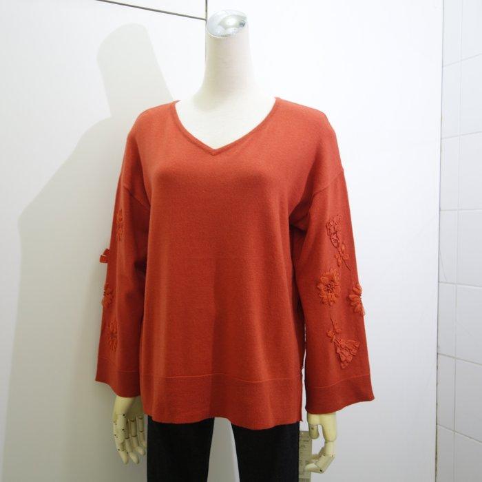 ☆注目の日本品牌CHIAROVITA  秋冬新款橘色緞帶花朵造型V領針織衫☆