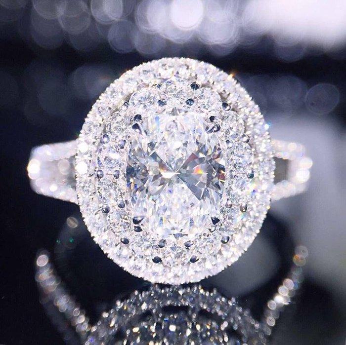 超豪華閃亮,1.5克拉橢圓形莫桑石鑽戒