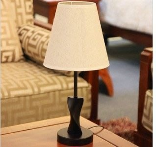 【優上精品】現代簡約宜家木質美式臥室床頭臺燈調光客廳臺燈燈具(Z-P3216)