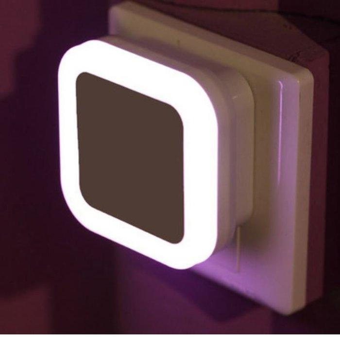 《台灣現貨》方型---智能光控小夜燈 LED夜燈 走廊燈 壁燈 樓梯燈 床頭燈 感光夜燈 氣氛燈 聖誕節禮物 交換禮物