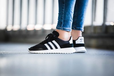 《 PENTA》Adidas Originals FLB White 黑色 BB5323 BA7760 韓國 李聖經