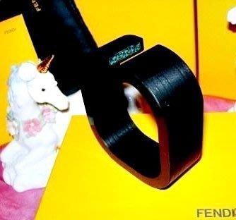 ※維多利亞衣櫃※SOGO購買全新真品【Fendi】鑲嵌綠寶石壓克力黑檀木感手環