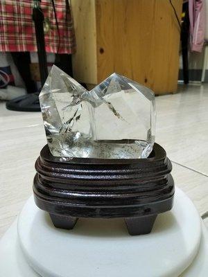 ..可愛型迷你桌上天然白水晶双尖天然礦石水晶柱.非常清透.放辦公桌.大小剛好..難得小品..一律免運費.