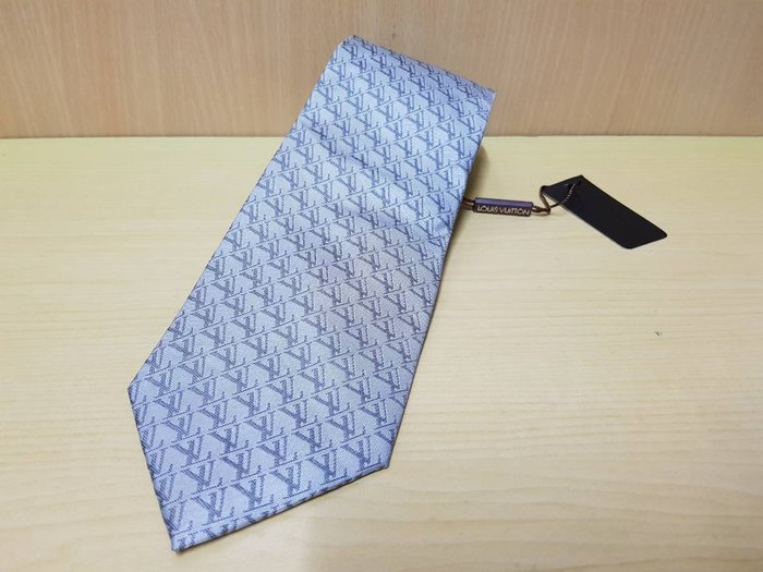 :: NiKo HoUsE ::【LV 路易威登】領帶