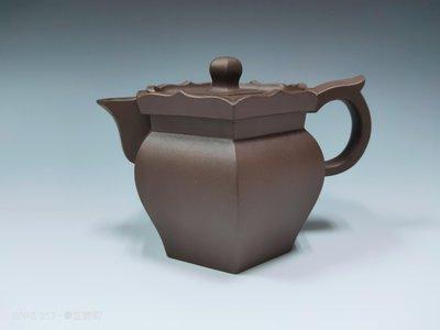 《芷壺軒》早期紫砂壺,沈惠芬製,僧帽壺,約180cc