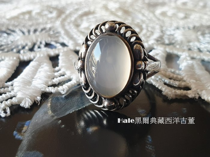 黑爾典藏西洋古董~純銀925銀 白月光石蝴蝶葉邊層層橢圓高台戒~美國品牌韓國時尚雜誌