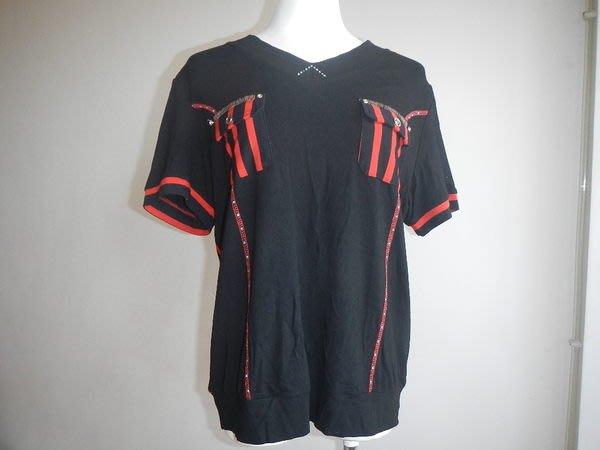 【甜心寶貝】大尺碼黑色撞紅條紋短袖漂亮款式涼滑柔軟上衣 / XXXL