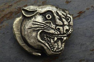 就是愛古著日本parasite黃銅黑豹皮帶頭