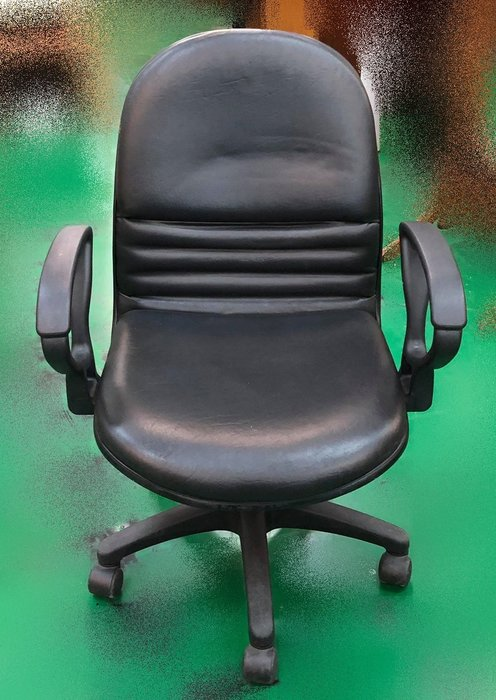 【宏品二手家具館】 辦公傢俱賣場大特賣 F111961*黑皮氣壓升降有扶手辦公椅* 書桌椅 電腦椅 主管桌椅 會議椅
