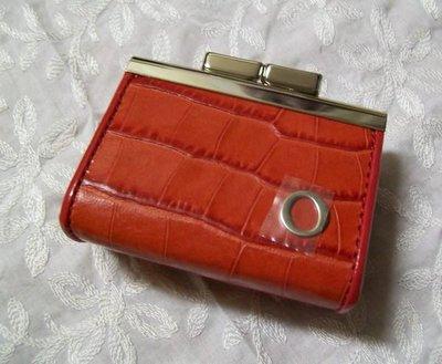 澳洲真品名牌 OROTON  ANYA  Slim Zip Purse 摩納哥紅 真皮鱷魚壓紋 三角型零錢包