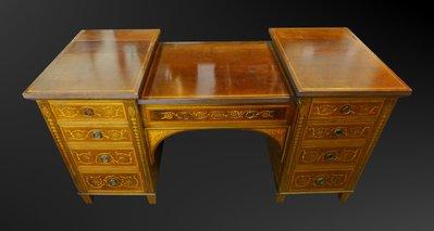 【家與收藏】特價稀有珍藏歐洲百年古董英國19世紀古典優雅精緻手工inlaid鑲嵌書桌/梳妝桌櫃