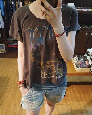 美國購回 歐美時尚款 加州 MIGHTY FINE 仿舊感 灰黑色凱蒂貓 KITTY 圓領寬版上衣 JUNK FOOD