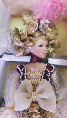 【藏家釋出】 早期收藏 ◎ LIMOGES  CARAT ◎ 收藏版的洋娃娃 ◎ 全新品 《朋友託售》