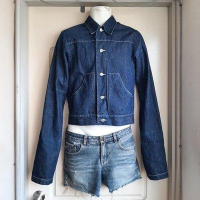 【叵帥】(奧克拉荷馬1907金屬鈕釦)藍色極簡風短版丹寧牛仔外套-超長袖子設計款-女生要穿也可以
