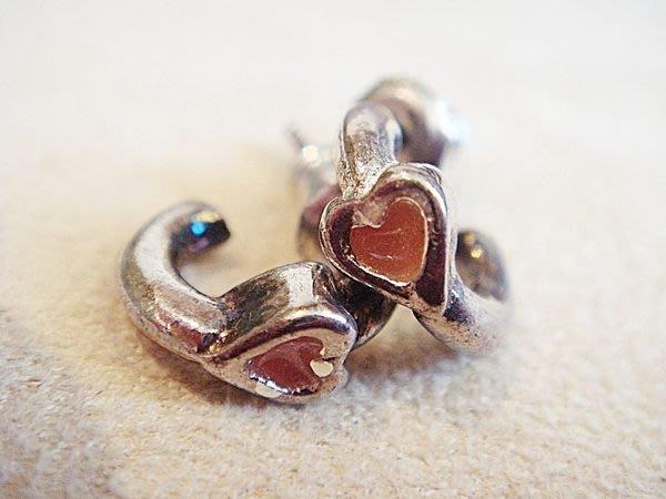全新美國帶回,可愛古銀色紅心穿式耳環!低價起標無底價!本商品免運費!
