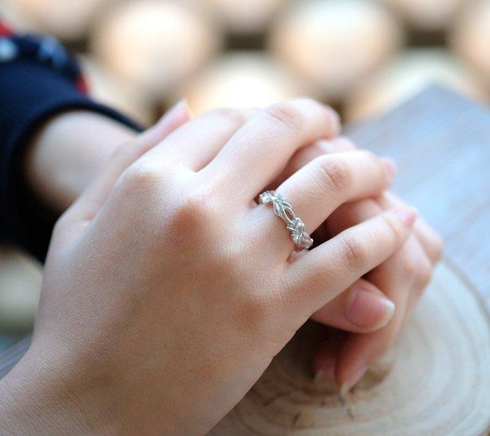 奧嘉精品工作室 Martina Olga 925純銀飾個性桂冠葉晶鑽雕花戒指 鑽色可換