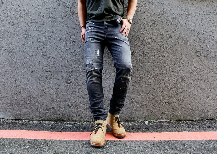DIESEL 19FW  D-VIDER 083AB 黑水洗 破壞 潑漆 單寧 錐形 重磅 純棉 牛仔褲 現貨
