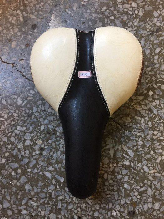 咖啡色米色黑色三色大理石紋路自行車座墊
