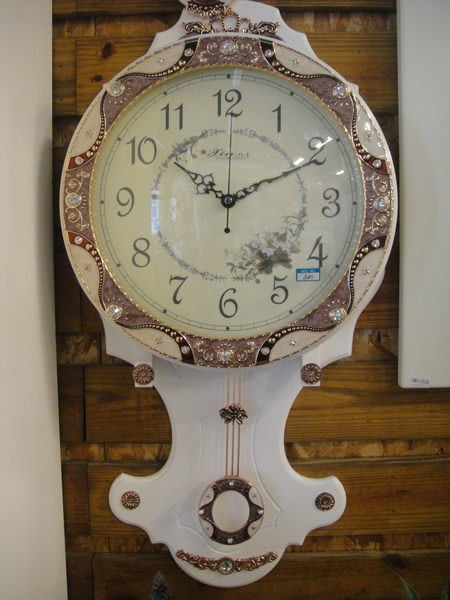 ~~凡爾賽生活精品~~全新白色木製琺瑯造型大掛鐘