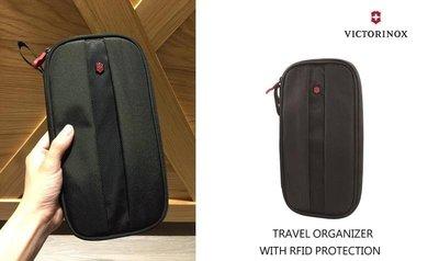│新竹市,竹北市│-Victorinox 瑞士維氏 手拿防RFID護照包證件包iphone plus也可放
