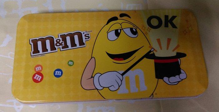 M&M's. LINE貼圖造型筆盒