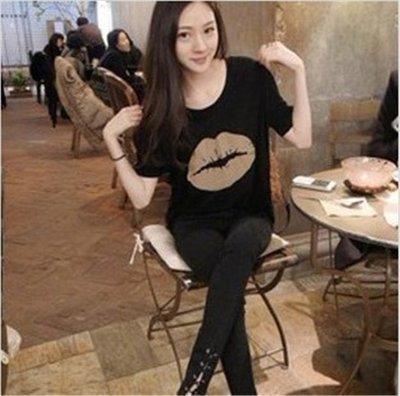 =EZZ=早班車13016 韓國 首爾時尚精品 東大門同步上新 韓版大嘴唇 纯棉T恤圓領寬鬆 女式短袖t恤