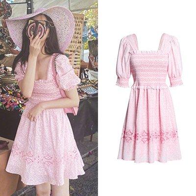 ♥ 裁縫師公主 ♥孟子義同款粉色方領泡泡袖碎花連身裙