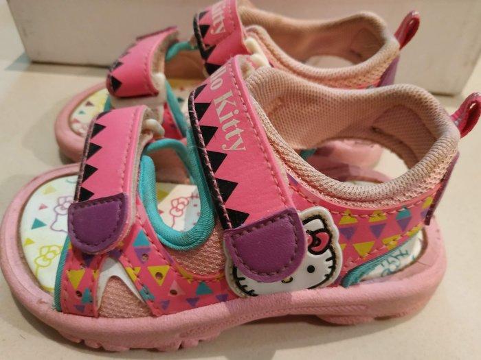 [二手真品] 日本授權 童鞋 涼鞋 原價1380元 hello kitty 凱蒂貓 16公分 魔鬼氈 粉紅色 台灣製 T