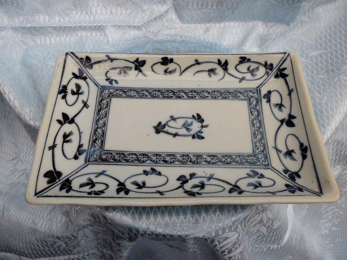 紫色小館4-----青花繪盤(13X21公分)