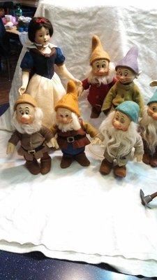 白雪公主與七矮人─ R John Wright Snow White and The Seven Dwarfs
