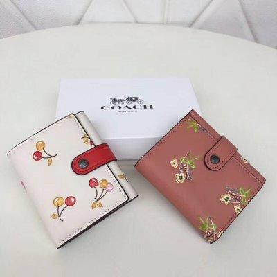 【八妹精品】COACH 21783 新款櫻桃印花防女士三折錢包 皮夾 錢夾