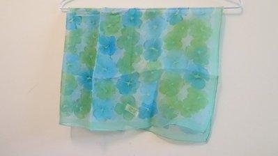 Private Label 嫩綠花朵絲巾  日本帶回  僅有一條 代售商品
