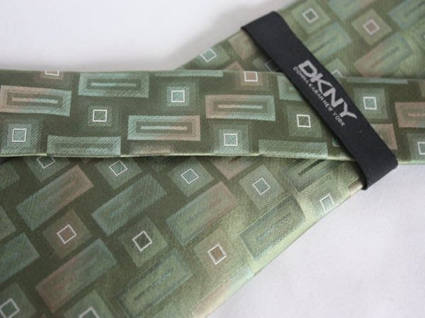 【DKNY】100%全新正品 格紋領帶-草綠色【寬版9cm】*領帶兩條95折三條9折*NEW D35