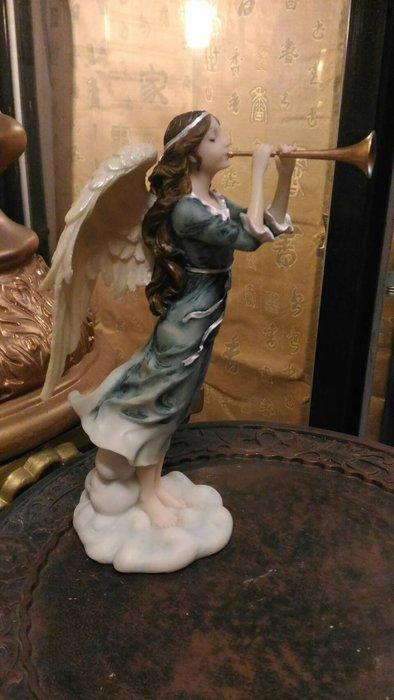 【預購品】設計家作品 手工彩繪-天使系列--雕像 擺飾]-西洋 天使吹小號