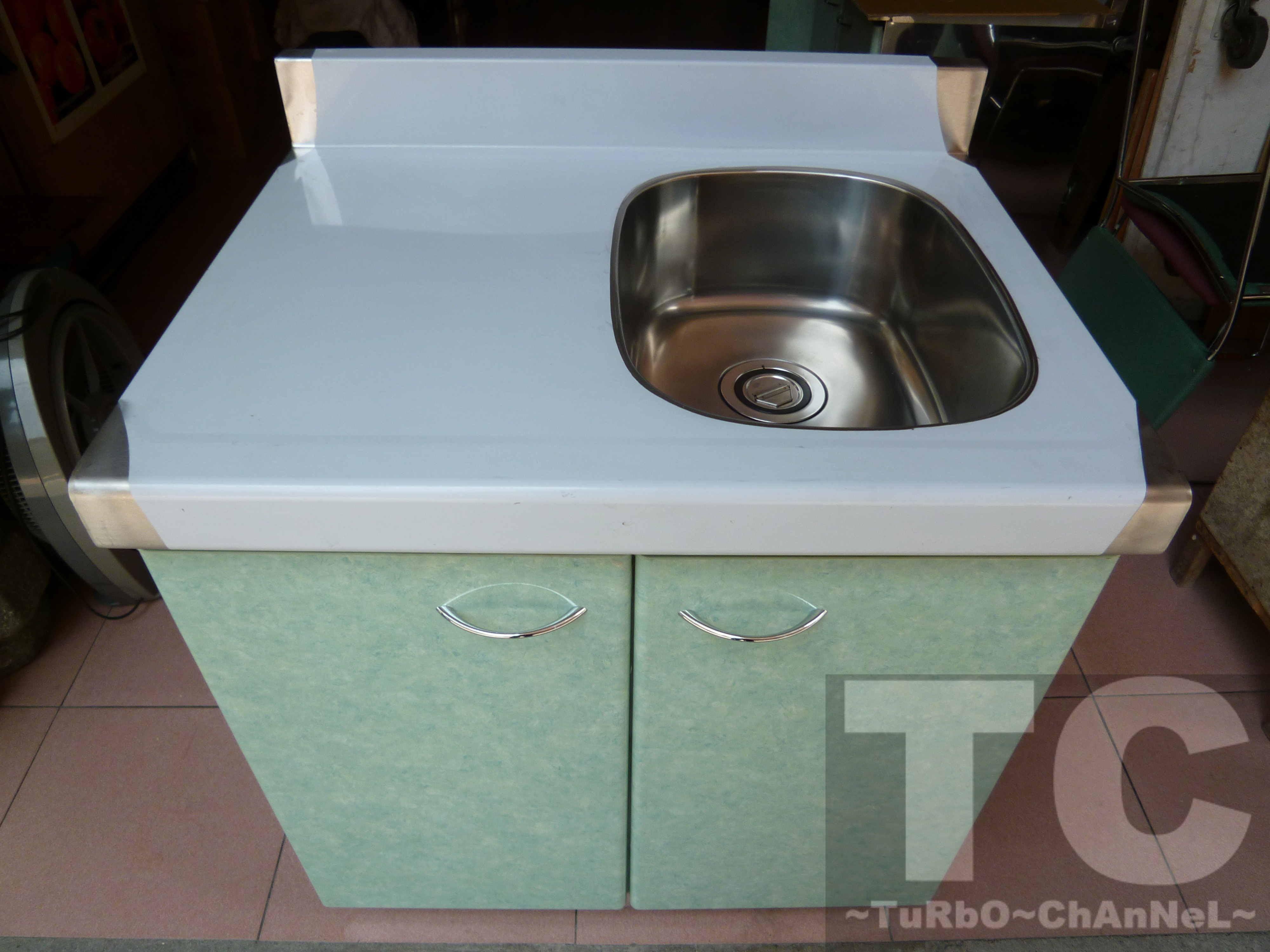 流理台【72公分洗台-右小水槽】台面&櫃體不鏽鋼 淺綠色大理石紋門板 最新款流理臺