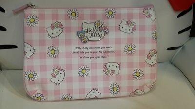 GIFT41 4165本通 三重店 Hello Kitty 凱蒂貓 春漾粉格 扁平化妝包 4901610442142