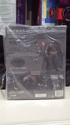全新現貨  Mezco DC One: 12 Collective - Batman Sovereign Knight Action Figure 蝙蝠俠