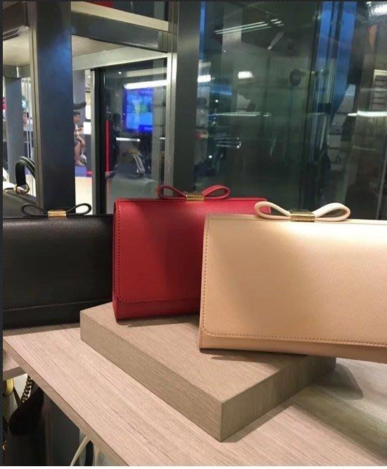 轉售小ck Charles&keith專櫃高質感氣質蝴蝶結款-十字防刮金鍊肩背/斜背包,暢銷正紅