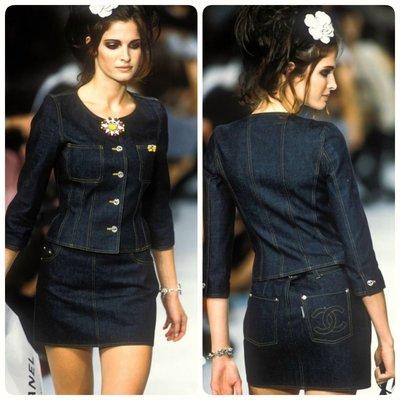 Chanel ❤️ 走秀款 CC logo 丹寧牛仔短裙 40