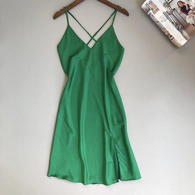 睡衣女 夏天冰絲綢性感誘惑純色吊帶睡裙打底裙中長款美背修身睡衣 睡袍 睡裙
