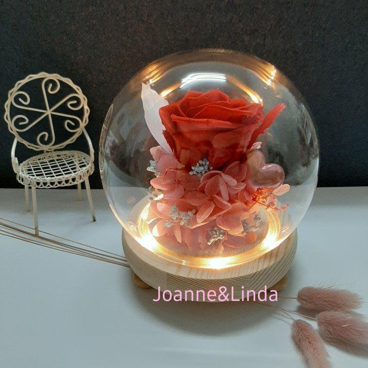 Joanne&Linda與愛系列 紅玫瑰永生花乾燥花玻璃罩夜燈擺飾 尺寸13×13公分