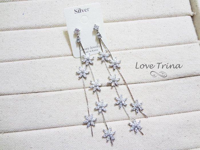【Love Trina】81114-2。 925銀針。鋯石亮鑽小花朵雙層長流蘇氣質長款耳針式耳環--銀針(1色)