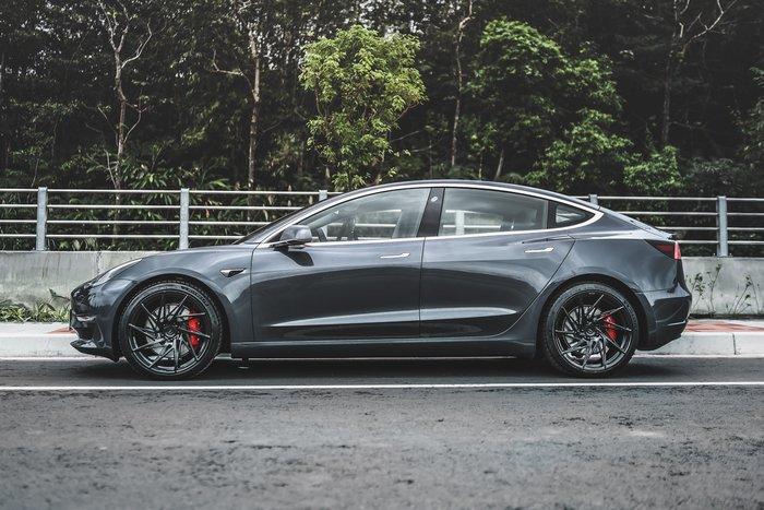 德朋國際 / PUR RS05 系列鍛造鋁圈 特斯拉Model S 實裝照