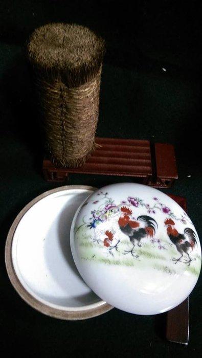 文翰堂~手繪公雞紫梅印泥盒(三)