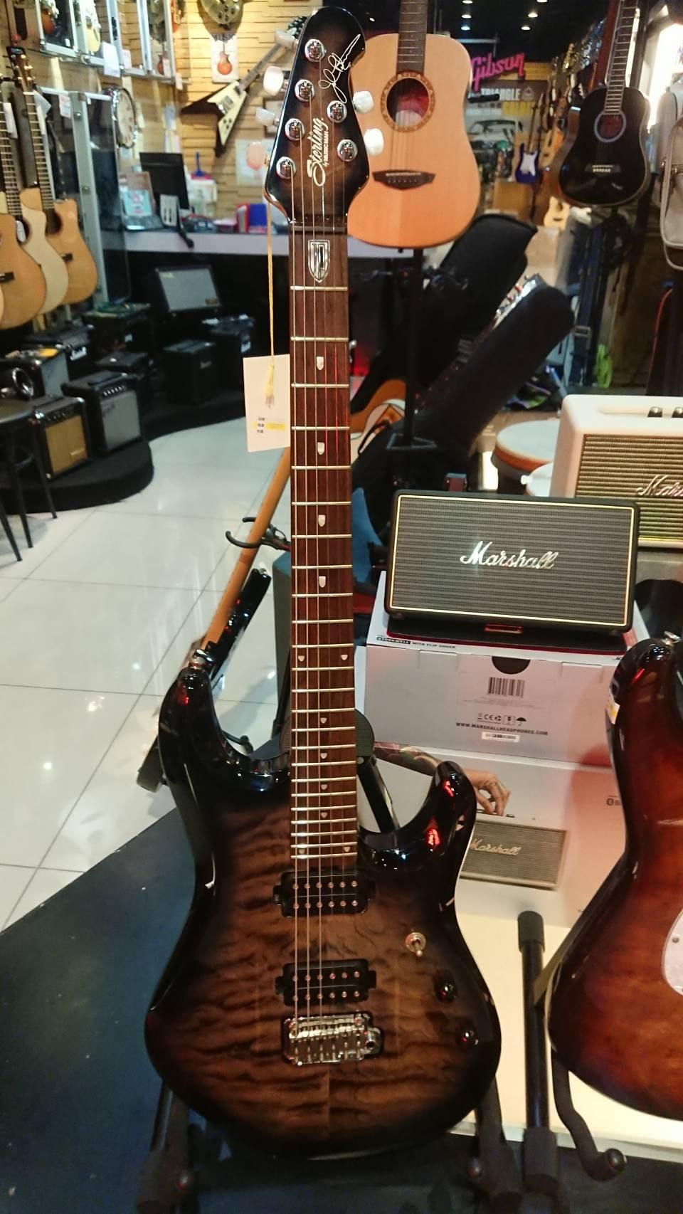 全新展示賠售 Sterling By Musicman JP100 John Petrucci 夢劇場簽名琴/免運
