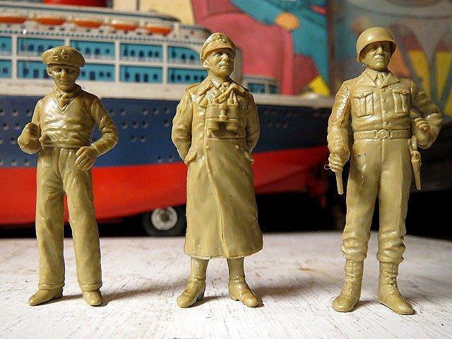 【 金王記拍寶網 】Z209  早期60年代 精製玩具兵 勇士們  模型小士兵 三個  小尊 罕見稀少