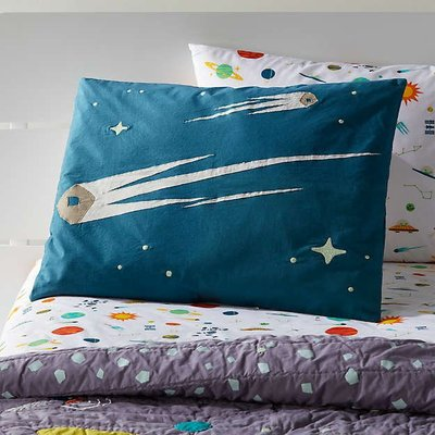 覓定家居美國代購 Crate&Kids宇宙流星夜光枕套 Cosmos Sham