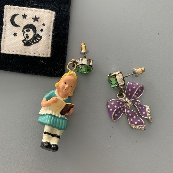 Les Nereides N2 (現貨)愛麗絲 不對稱耳環 (一對2隻=1880元)