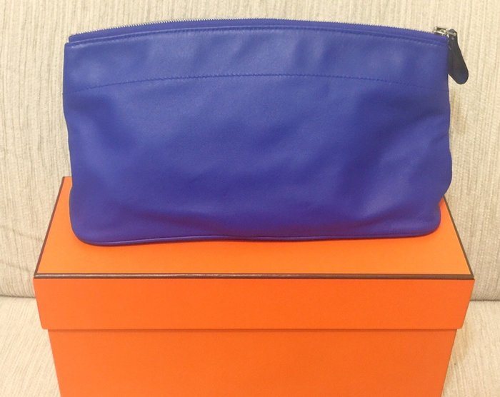 天使熊小鋪~日本帶回HERMES愛馬仕小羊皮革化妝包 紫色限定版收納包非手提包 原版正品皮革包