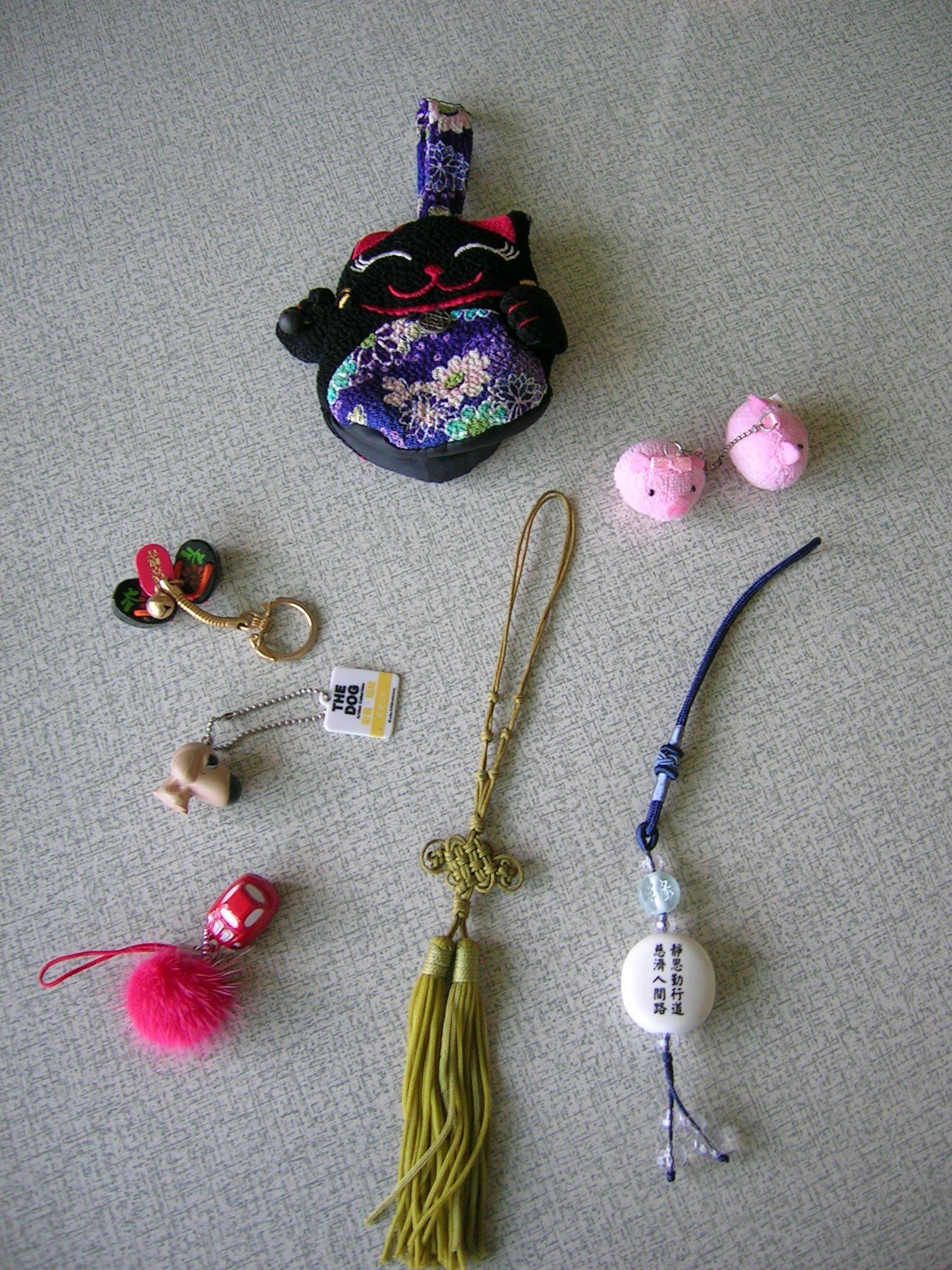 日本淺草  木屐  手機吊飾  i-phone可用  可愛小豬  大頭狗   小飾品    降價了